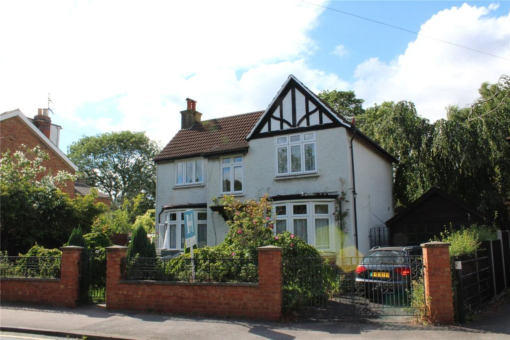 3 Bedrooms Detached House for sale in Charlton Lane, Cheltenham, Gloucestershire