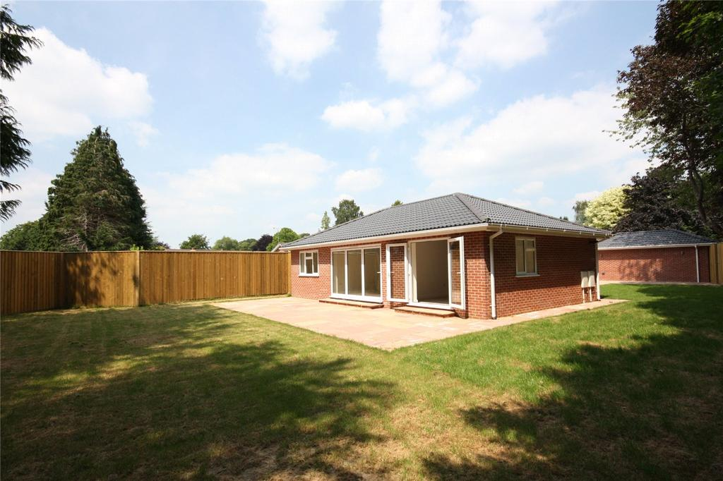 3 Bedrooms Detached Bungalow for sale in Chestnut Grove, Milldown Road, Blandford Forum, Dorset