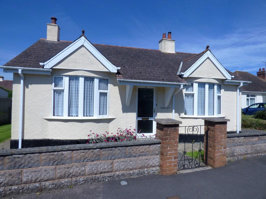 2 Bedrooms Detached Bungalow for sale in Lyndale Road, Kingsteignton, TQ12 3JN