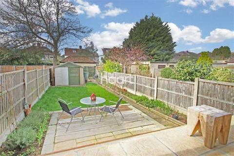 3 bedroom terraced house to rent - Glenwood Drive - Gidea Park - RM2