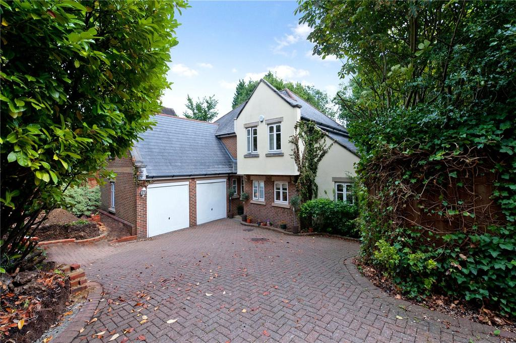 5 Bedrooms Detached House for sale in Hanger Hill, Weybridge, KT13