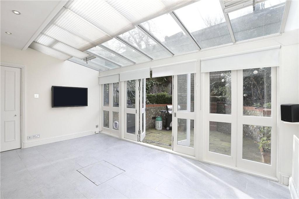3 Bedrooms Flat for sale in Beaufort Street, Chelsea, SW3
