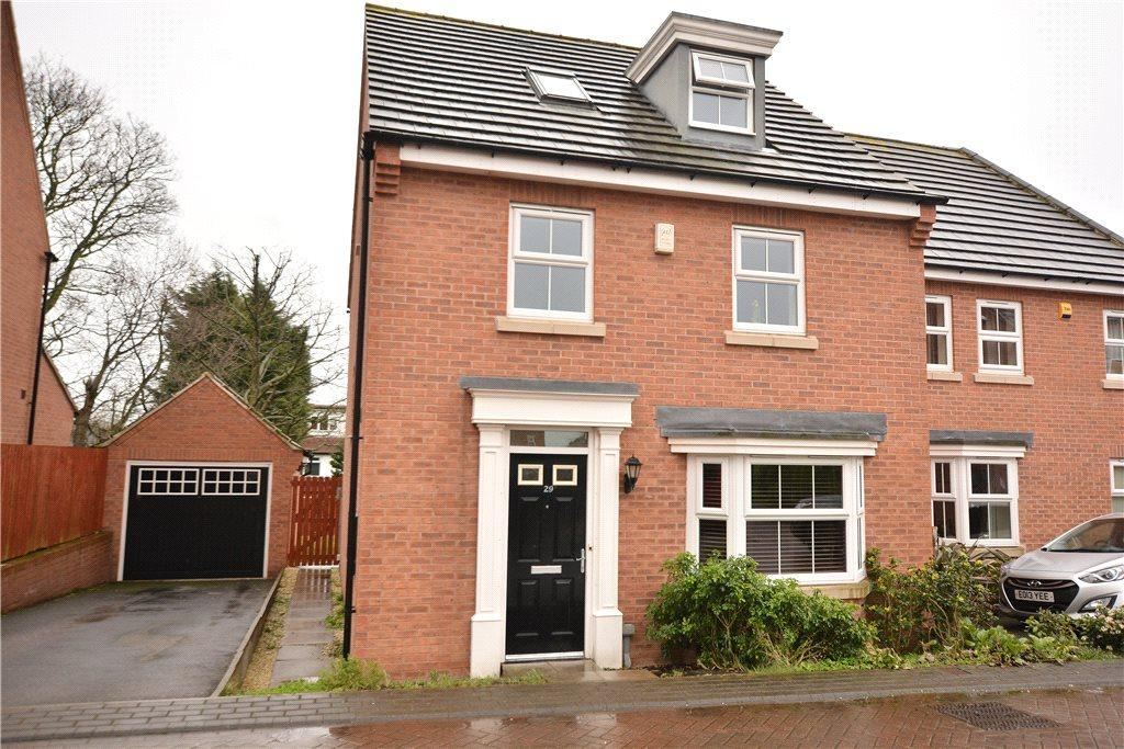 4 Bedrooms Detached House for sale in Chandos Mews, Roundhay, Leeds