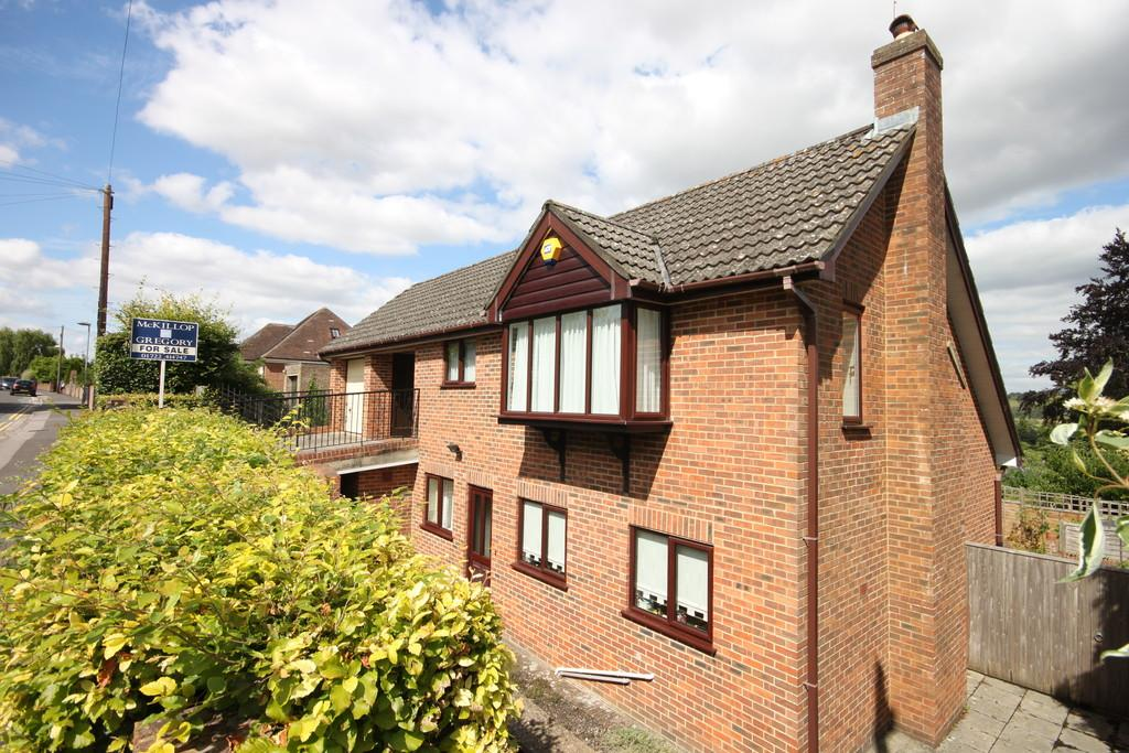 4 Bedrooms Detached House for sale in ST MARK'S AVENUE, SALISBURY, WILTSHIRE SP1 3DW