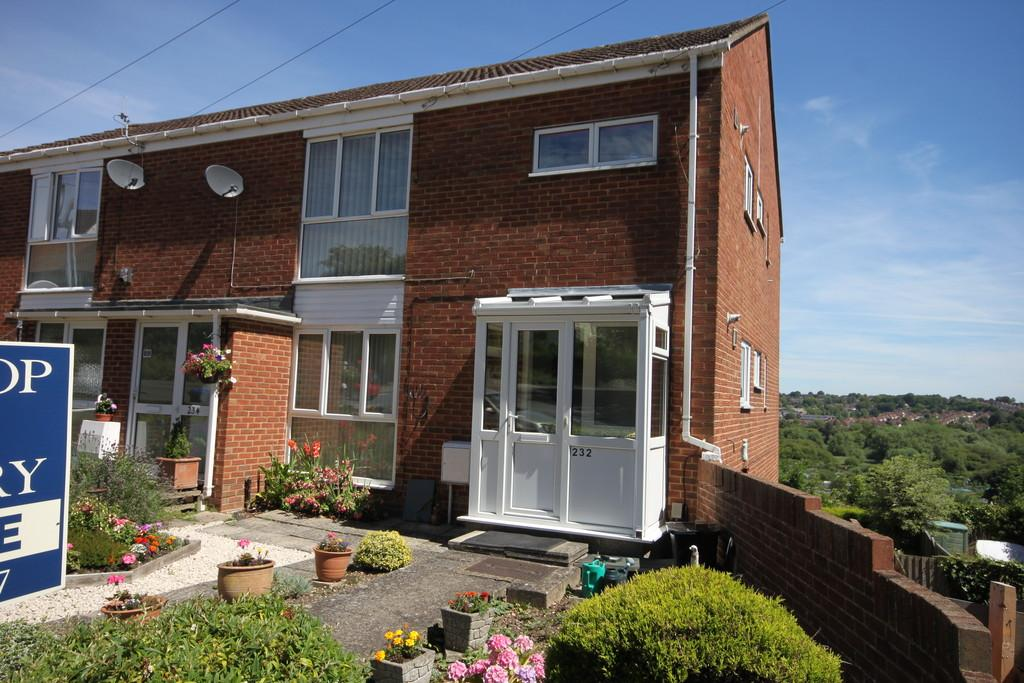2 Bedrooms Ground Flat for sale in DEVIZES ROAD, SALISBURY, WILTSHIRE SP2 7LY