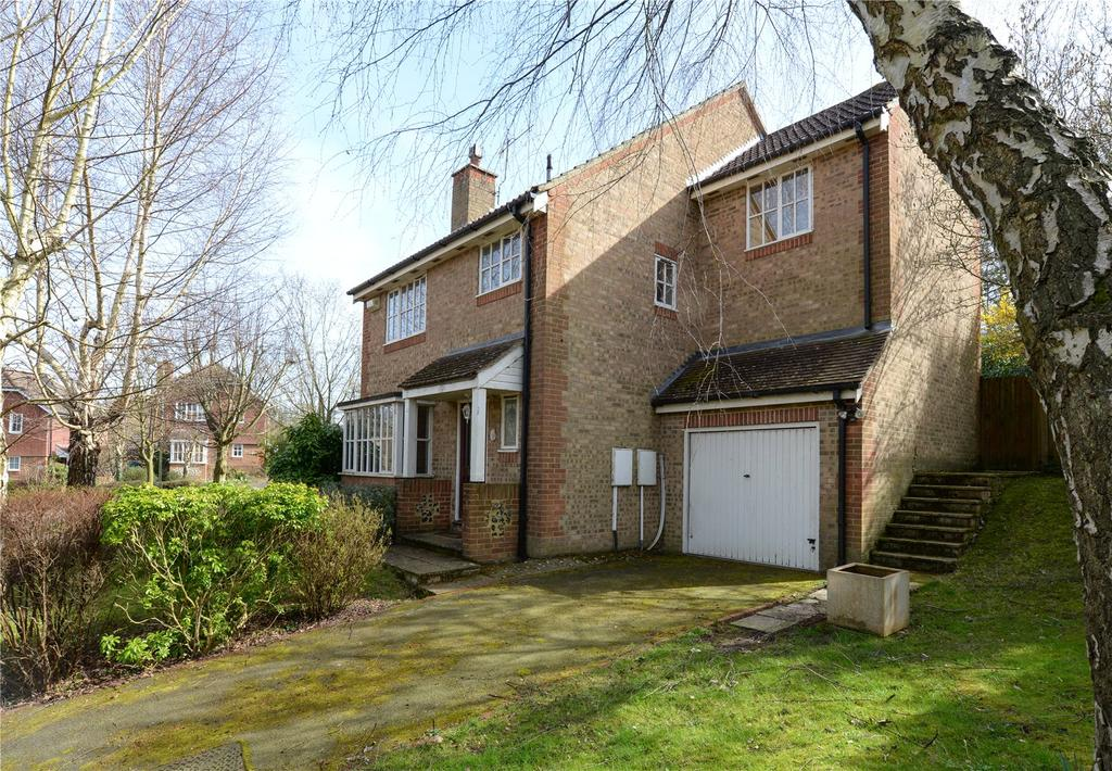 4 Bedrooms Detached House for sale in Kings Park, Canterbury, Kent