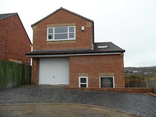 4 Bedrooms Detached House for sale in 36A Helston Crescent, Monk Bretton, Barnsley, S71 2BS