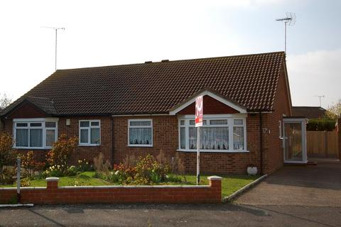 2 bedroom semi-detached bungalow to rent - Woodland Road, Herne Bay