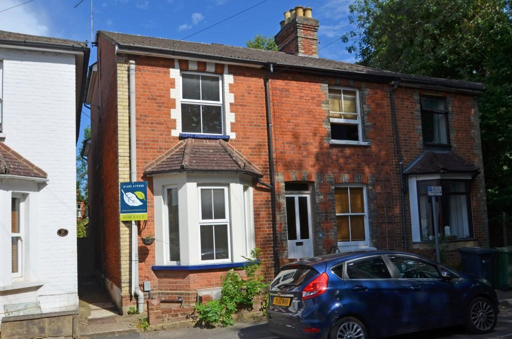 3 Bedrooms End Of Terrace House for sale in Guildford