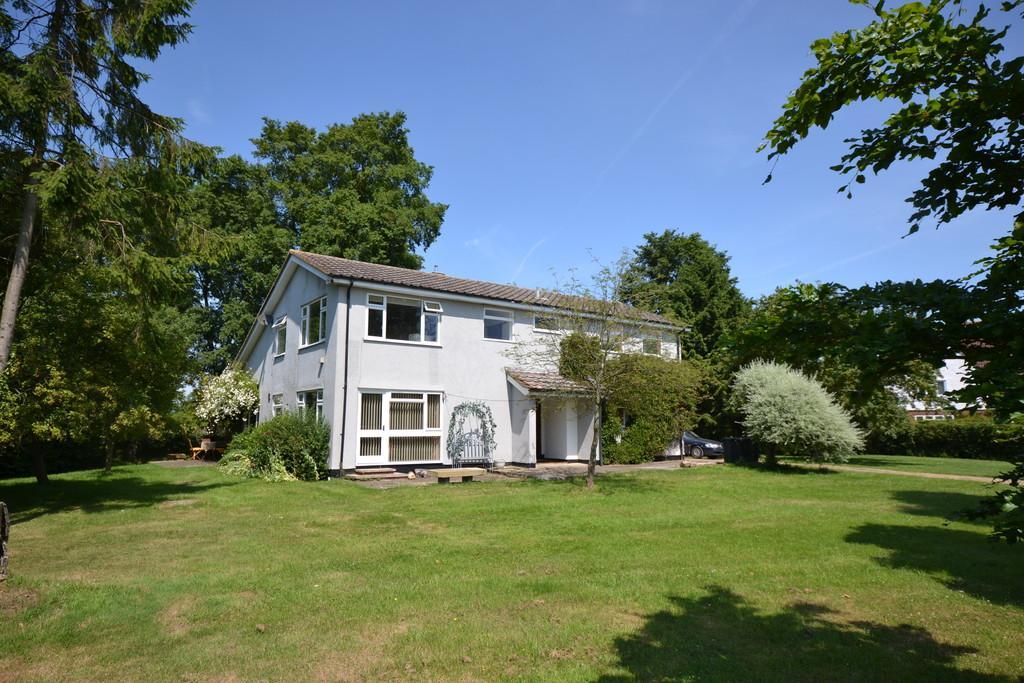 5 Bedrooms Detached House for sale in Broad-Halfpenny, Langley Upper Green, Nr Saffron Walden, Essex, CB11 4RY