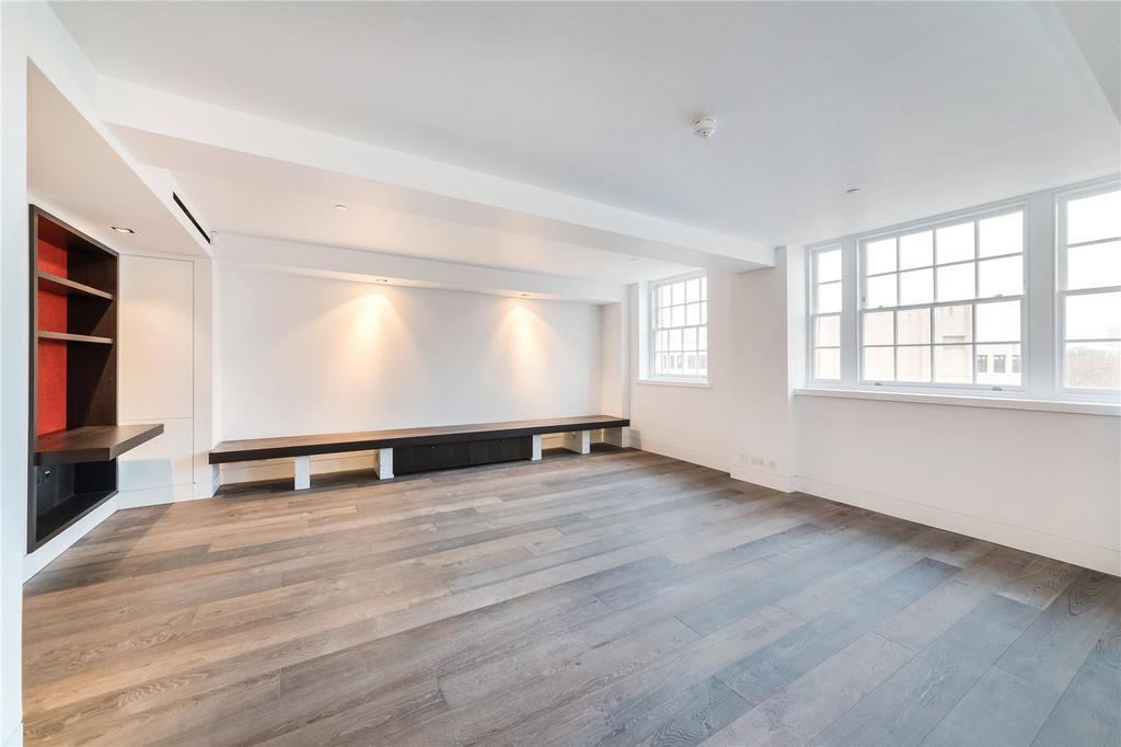 2 Bedrooms Flat for sale in Buckingham Gate, London, SW1E