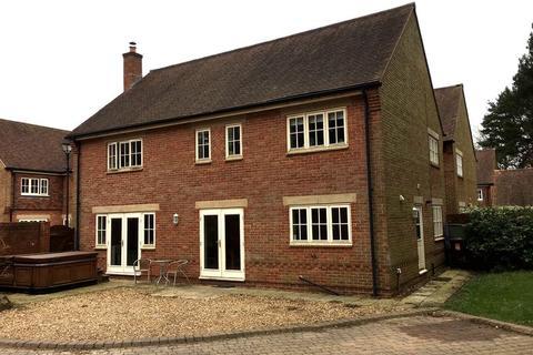 4 bedroom detached house for sale - Grange Park Drive, Biddulph