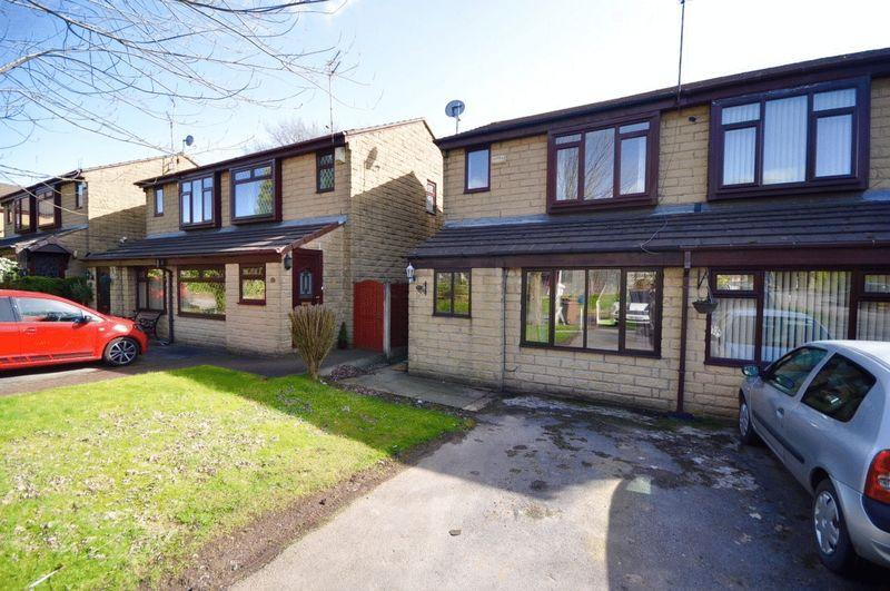 2 Bedrooms Semi Detached House for sale in Ascot Close, Rochdale