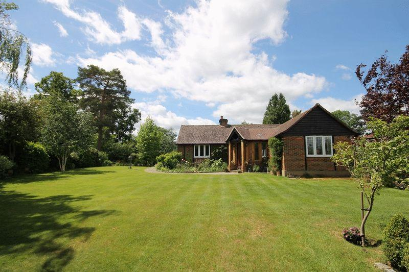3 Bedrooms Detached Bungalow for sale in FETCHAM