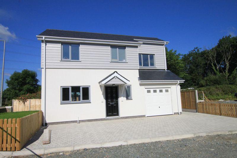 4 Bedrooms Detached House for sale in Llanfairpwll