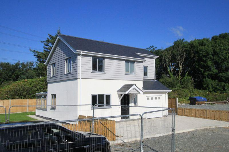 4 Bedrooms Detached House for sale in Llanfairpwll