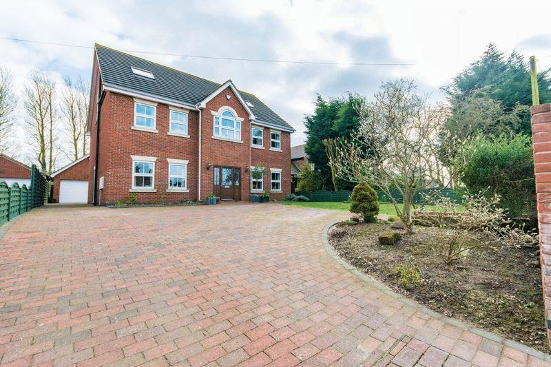 5 Bedrooms Detached House for sale in St Barnabas Road, Barnetby Le Wold, DN38