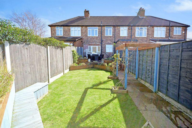 3 Bedrooms Terraced House for sale in Waverley Avenue, Appleton
