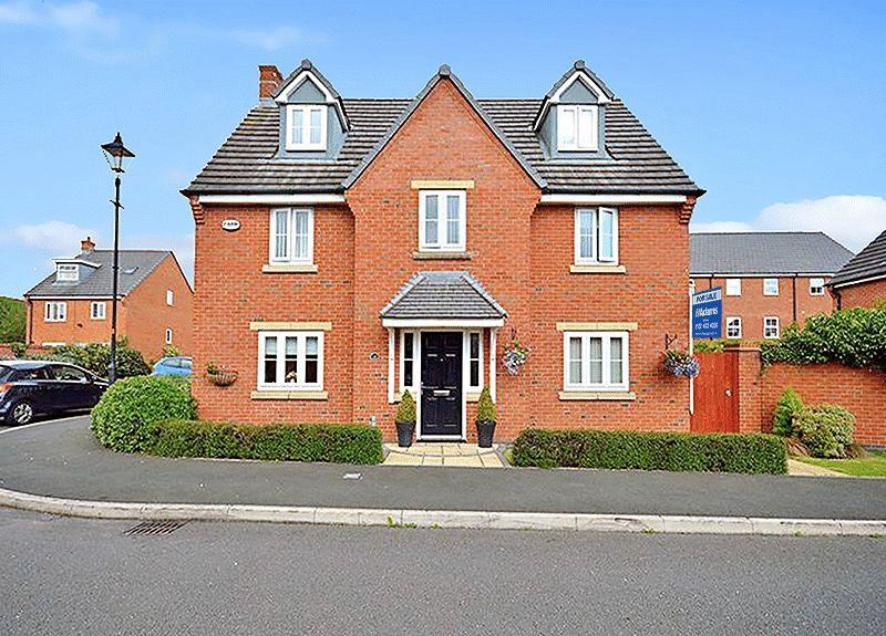 5 Bedrooms Detached House for sale in Lingwell Park, WIDNES