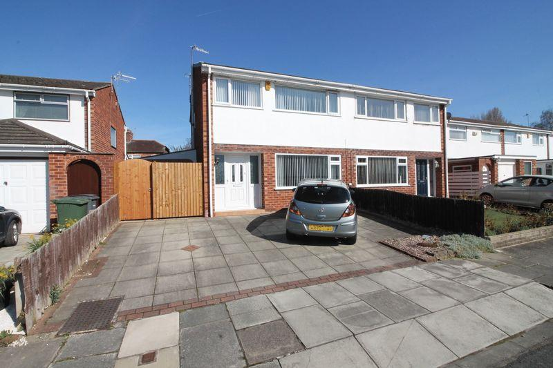 3 Bedrooms Semi Detached House for sale in Palmwood Close, Prenton