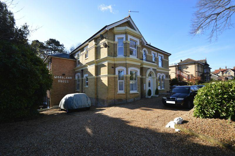 2 Bedrooms Maisonette Flat for sale in SHANKLIN