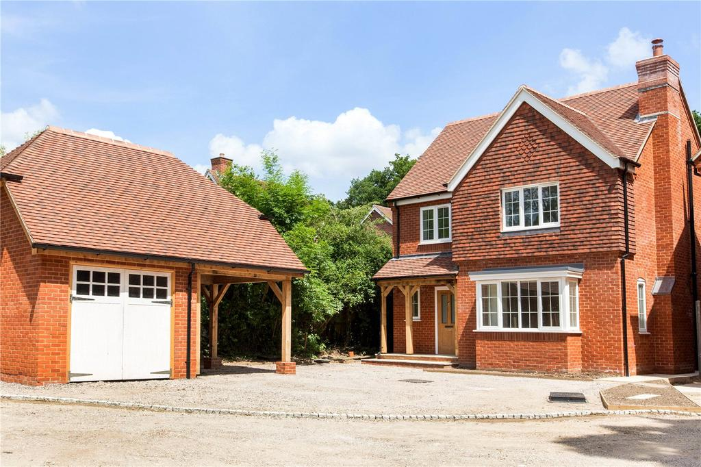 5 Bedrooms Detached House for sale in Baughurst Road, Baughurst, Tadley, Hampshire, RG26