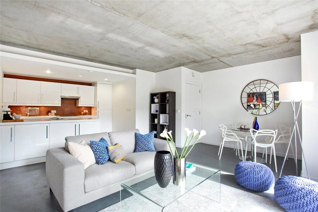 3 Bedrooms Flat for sale in Cosmopolitan House, 8 Christina Street, Shoreditch, London, EC2A