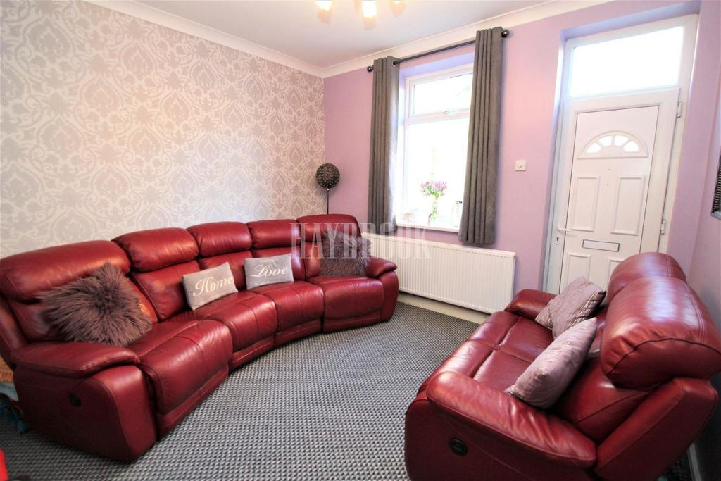 3 Bedrooms End Of Terrace House for sale in Dolcliffe Road, Mexborough