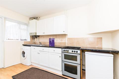 3 bedroom house to rent - OAK AVENUE