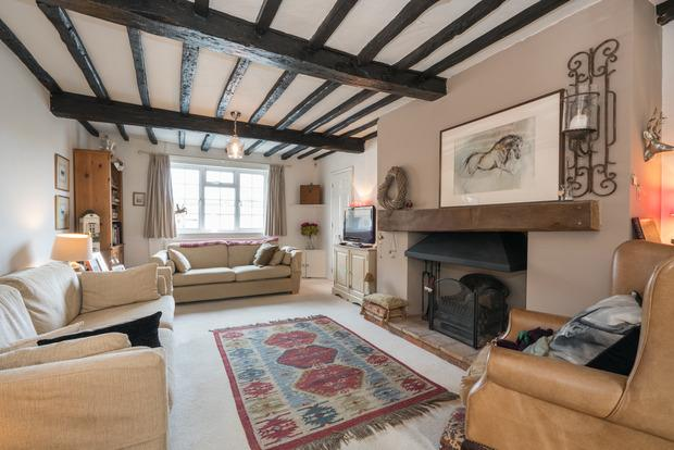 3 Bedrooms Cottage House for sale in George Street, Markyate, Herts, AL3