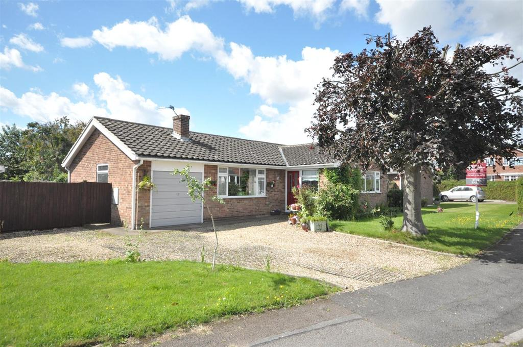 3 Bedrooms Detached Bungalow for sale in Park Road, Barnstone, Nottingham