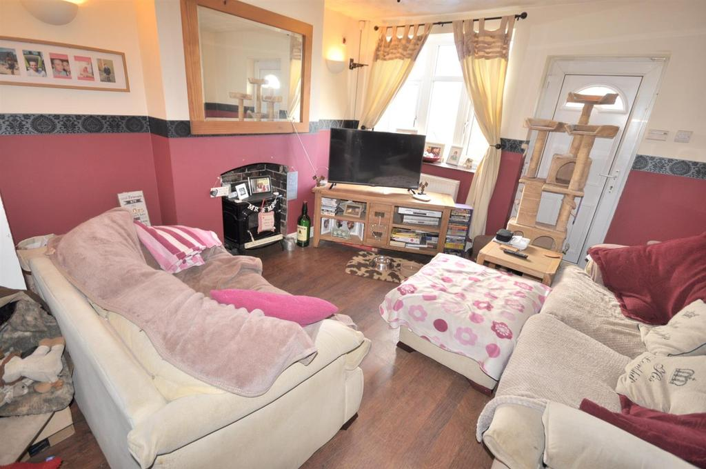 2 Bedrooms Terraced House for sale in Main Road, Barnstone, Nottingham