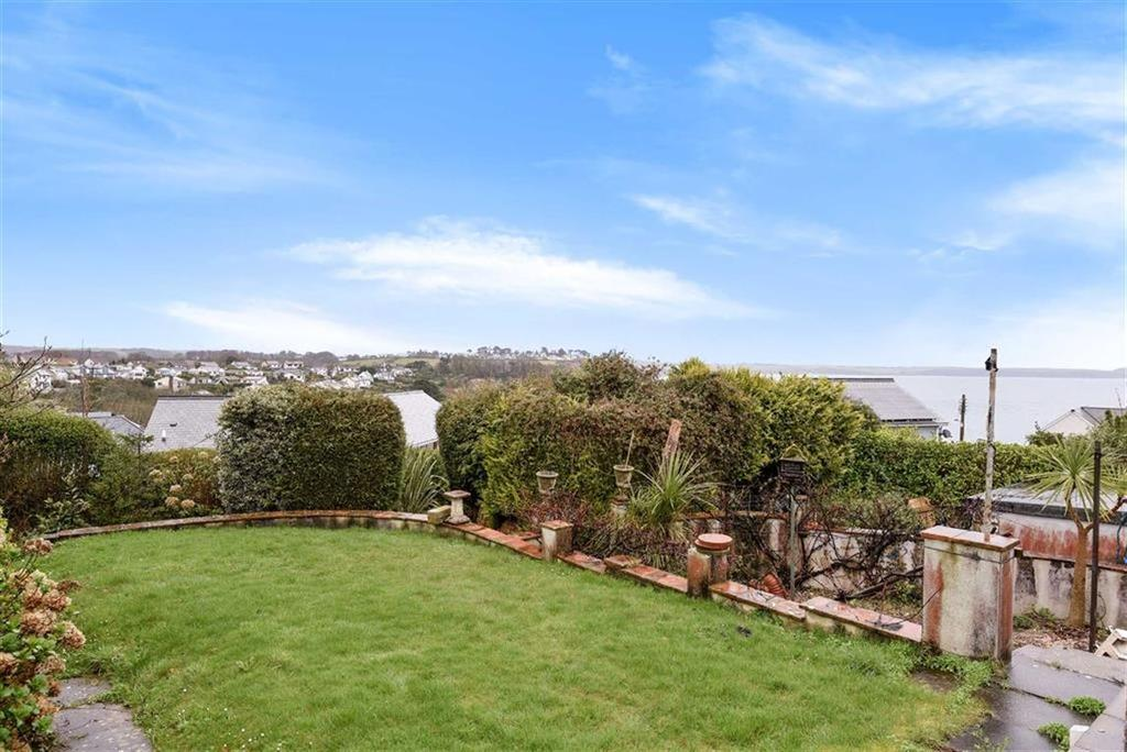 3 Bedrooms Detached House for sale in Porthpean Beach Road, Porthpean, St Austell, Cornwall, PL26