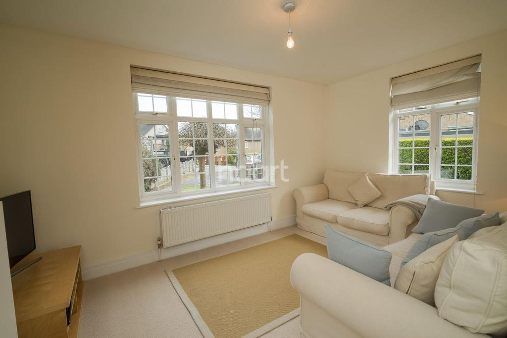 3 Bedrooms Semi Detached House for sale in Ryhope Road, New Southgate, N11