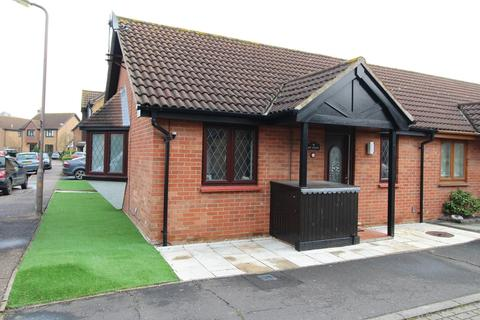 1 bedroom bungalow for sale - Petresfield Way, West Horndon, Brentwood, Essex, CM13