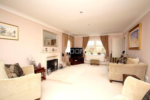 4 bedroom detached house for sale - John Newington Close, Kennington, TN24 9SG