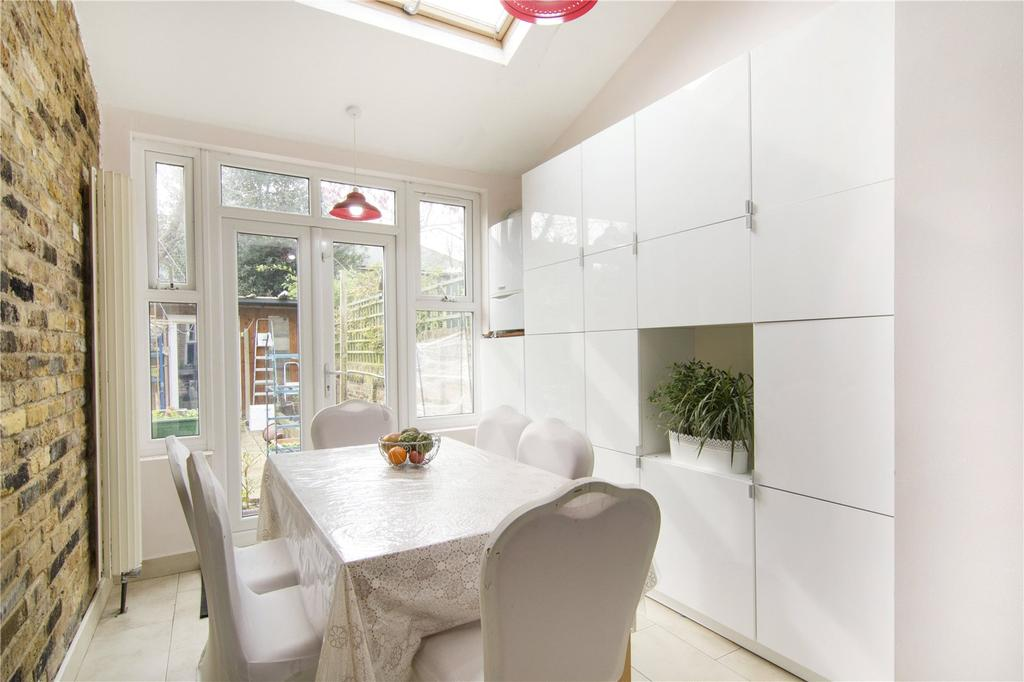 3 Bedrooms Terraced House for sale in Claremont Road, London, E7