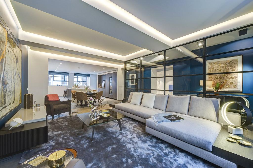 2 Bedrooms Mews House for sale in Royalty Mews, Soho, W1D