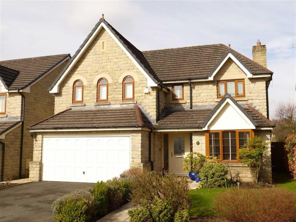 4 Bedrooms Detached House for sale in Kilmory Fold, Glossop