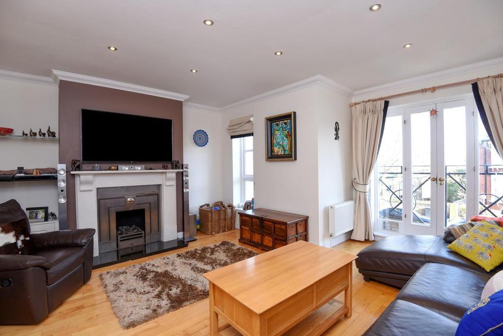 4 Bedrooms Mews House for sale in Berridge Mews, West Hampstead, NW6
