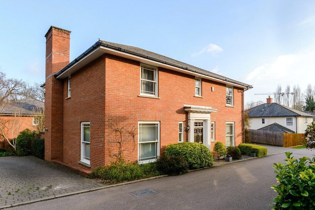 4 Bedrooms Detached House for sale in Pye Gardens, Bishop's Stortford, Hertfordshire, CM23