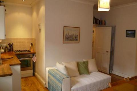1 bedroom flat to rent - Well Court, Dean Village EH4