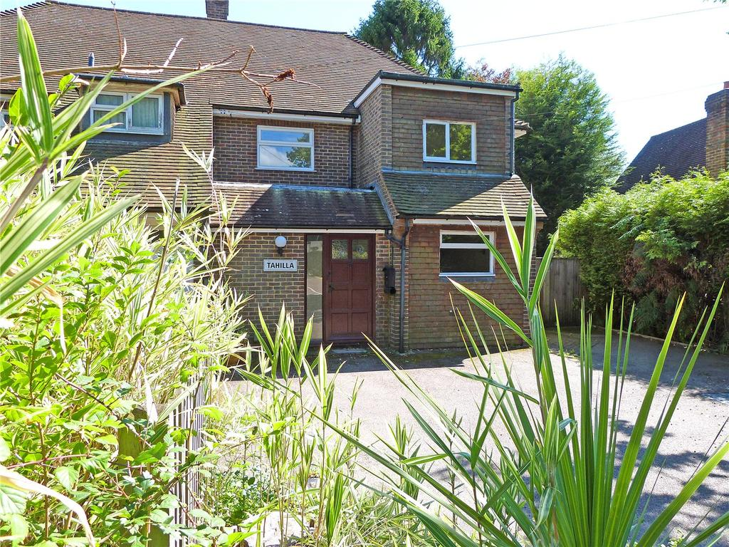 3 Bedrooms Semi Detached House for sale in High Street, Buxted, Uckfield, East Sussex, TN22