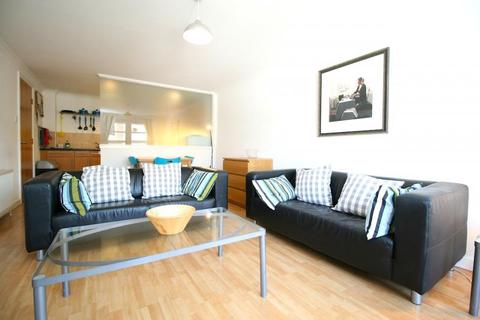 3 bedroom flat to rent - Henderson Place, New Town, EH3