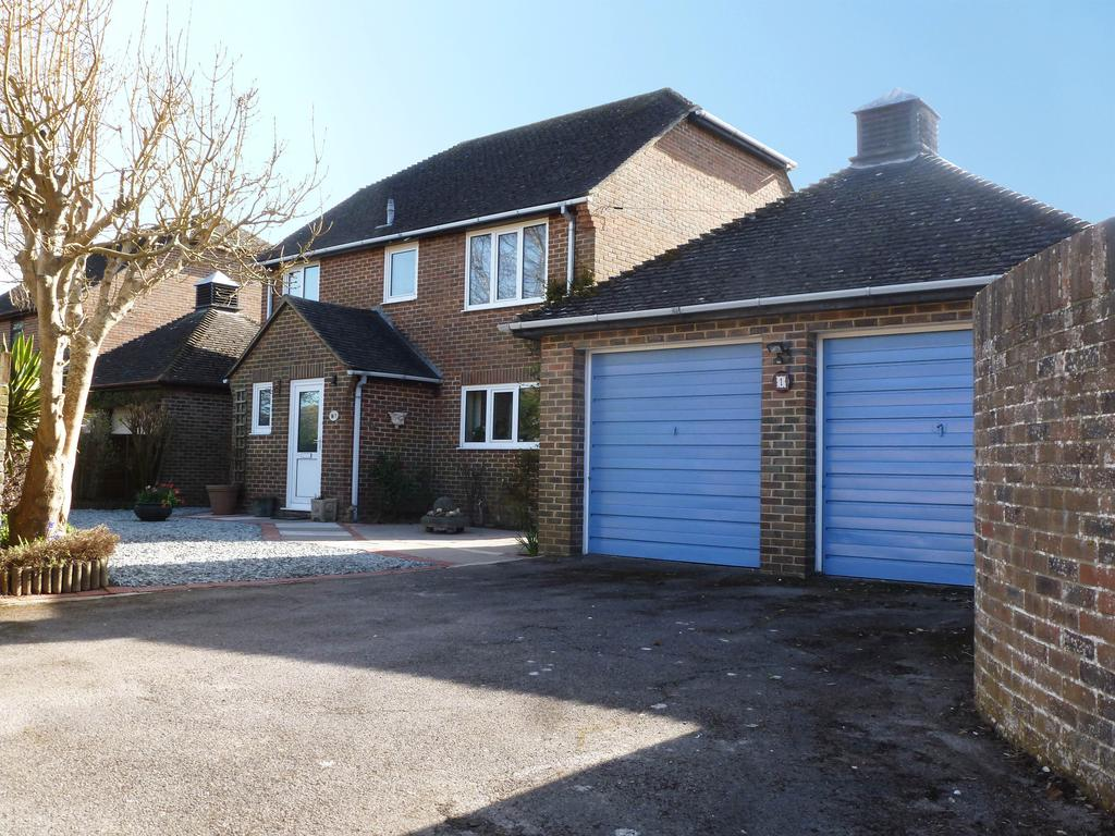 4 Bedrooms Detached House for sale in Fishermans Walk, Aldwick, Bognor Regis PO21