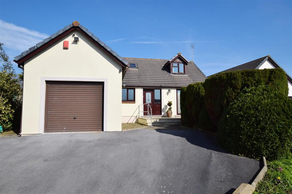 3 Bedrooms Detached Bungalow for sale in Rosemarket, Milford Haven