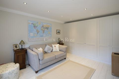 4 bedroom semi-detached house for sale - Claygate