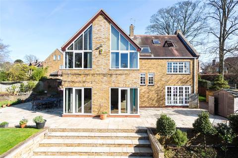 6 bedroom detached house for sale - Mulberry Close, Off The Avenue, Dallington, Northampton, NN5