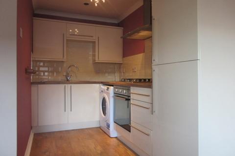 1 bedroom apartment to rent - Brunel Court, Walter Road, Swansea. SA1 5RS.