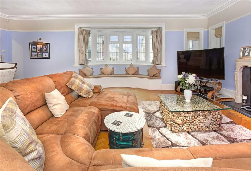 4 Bedrooms Flat for sale in The Red House, Hove, East Sussex